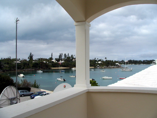 Casa por un Alquiler en Frith Building Apartment 1 Sandys Parish, Bermuda