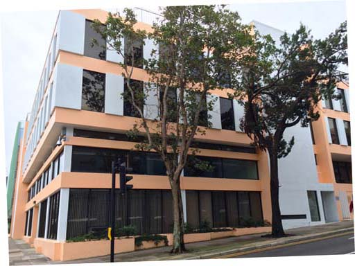 Comercial por un Alquiler en Cedar House - 5th Floor (North) 41 Cedar Avenue Pembroke Parish, HM 12 Bermuda