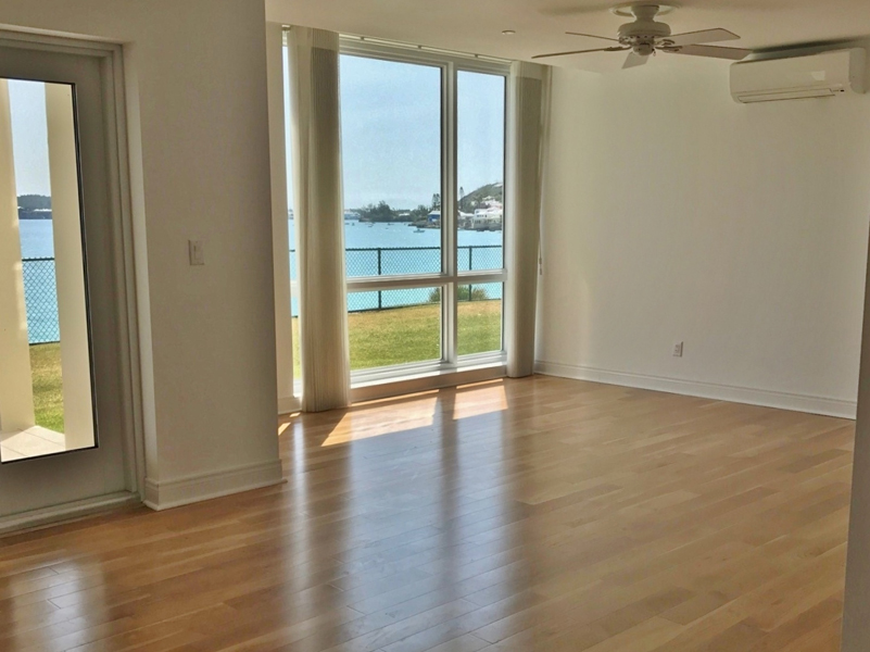 Additional photo for property listing at Palmetto Gardens D1 Soundview Smiths Parish, Bermuda