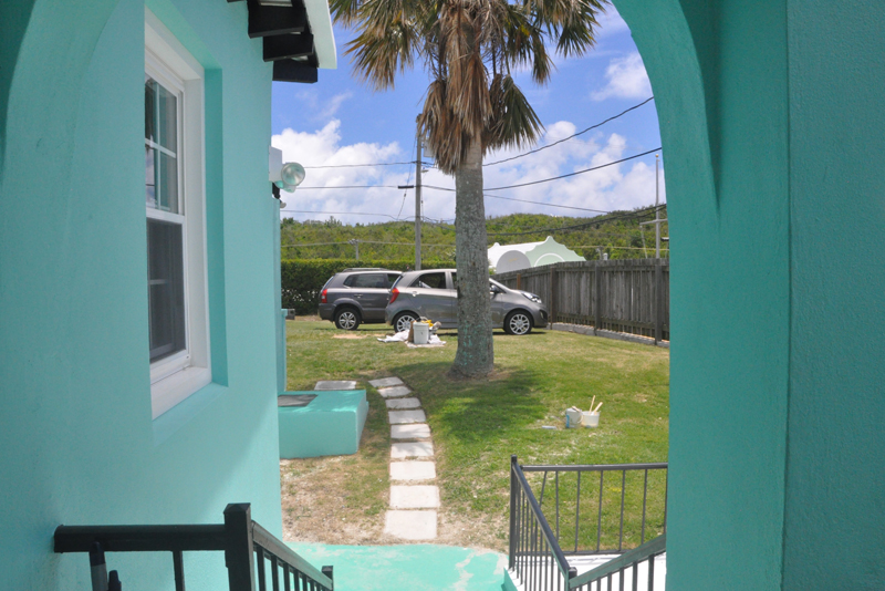 Additional photo for property listing at Trott's Upper West Apartment Smiths Parish, Bermuda