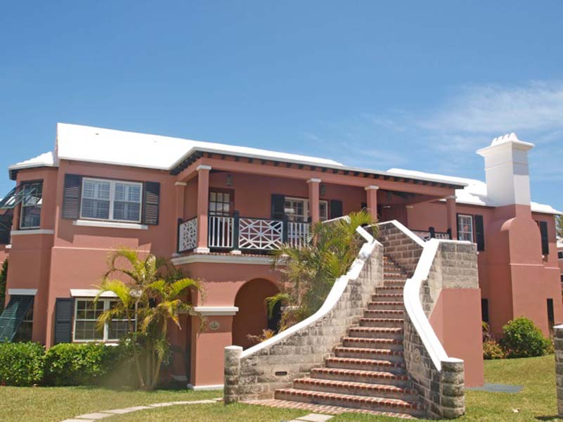 Condo / Townhouse / Piso por un Venta en Hidden Cove - Windsong Upper West 7 Hidden Cove Road Smiths Parish, HS01 Bermuda